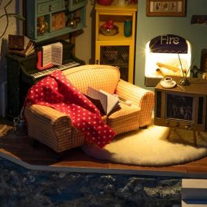 Joy's Peninsula Living Room (DG141)